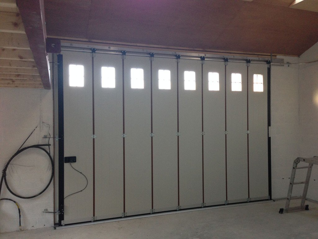 Side sliding garage doors gallery abi garage doors for Sliding glass garage doors